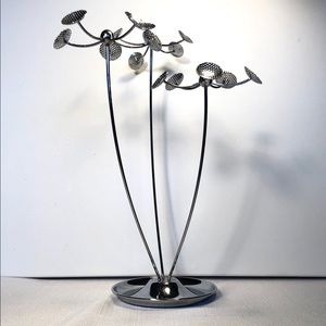 Other - Umbra jewelry stand in silver
